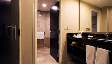 Baño Habitación Ejecutiva Hotel Urban Aeropuerto Ciudad de México Ciudad de México